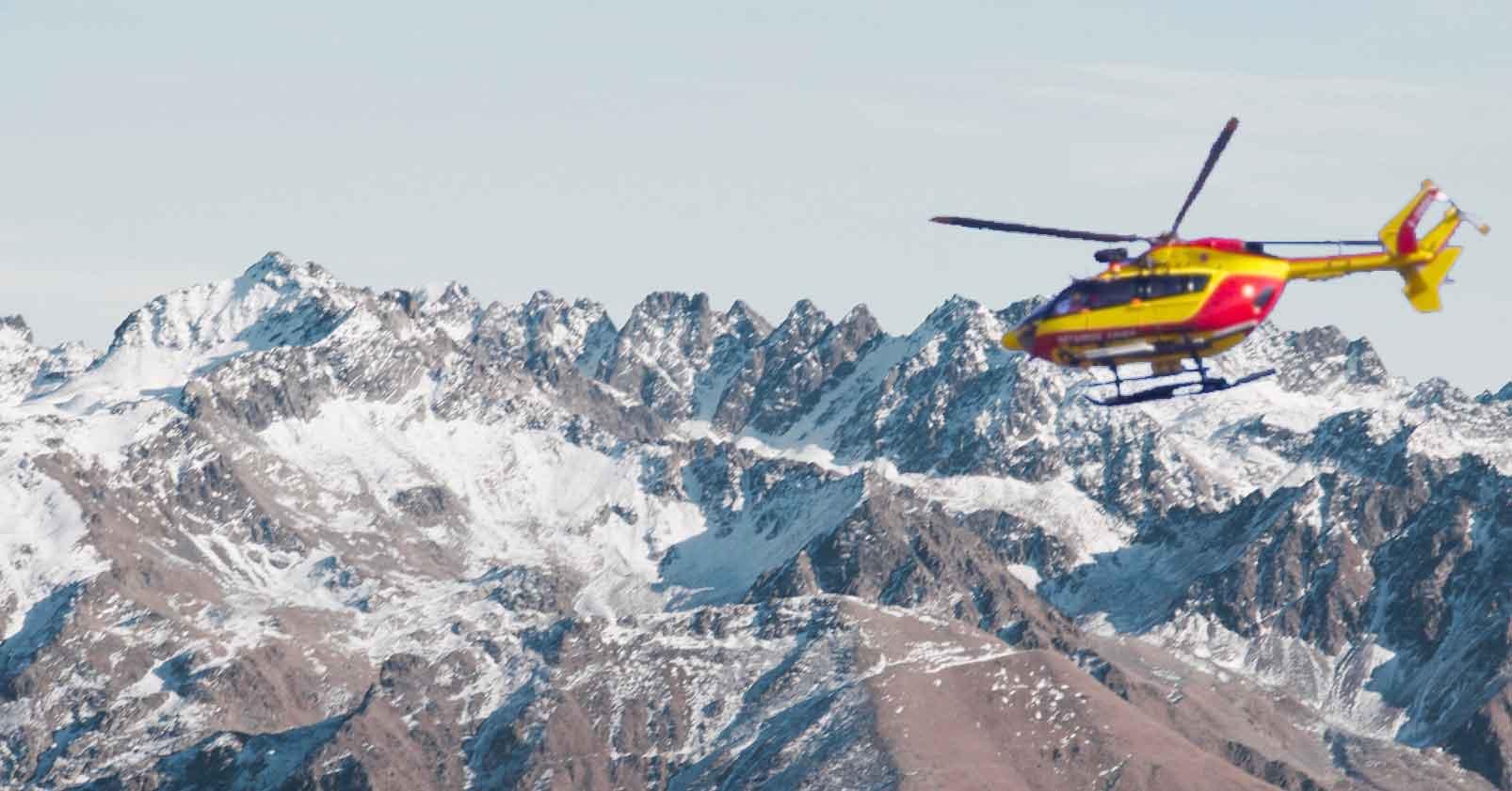 Intervention des services de secours en montagne, balise de détresse